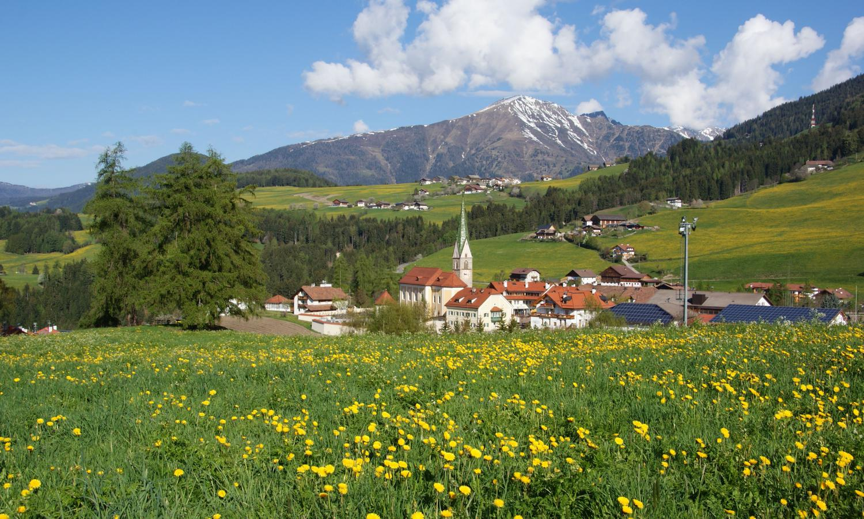 Dorf Frühling