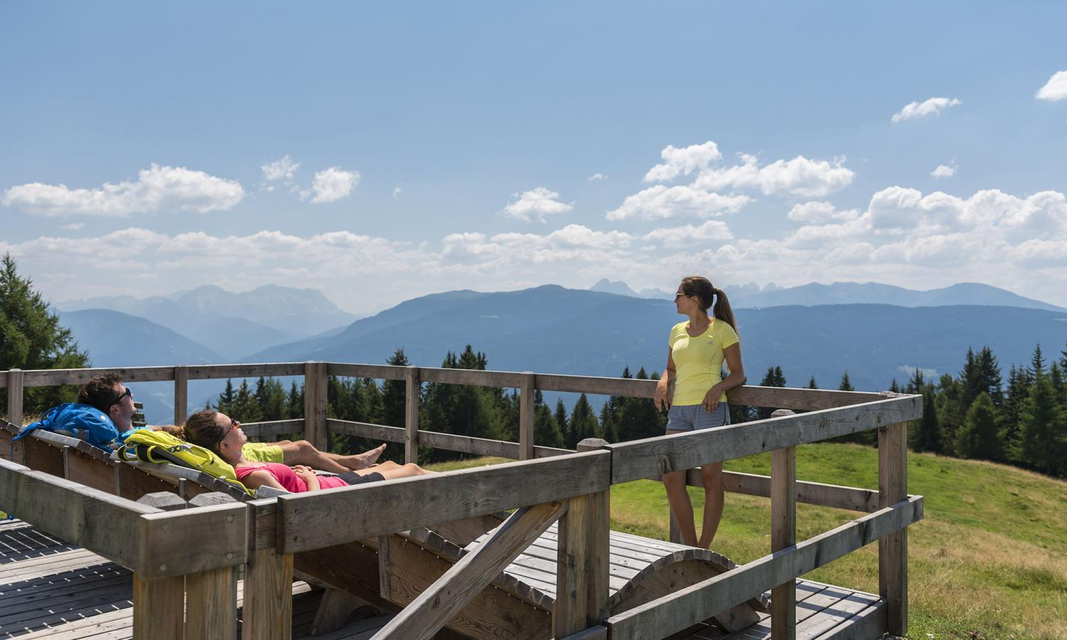 Nature solariums with spectacular views of the South Tyrolean mountains